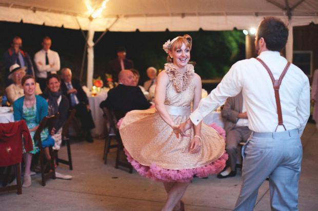 Танцы на свадьбе Love Is