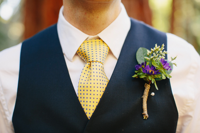 Бутоньерки на свадьбу для женихов