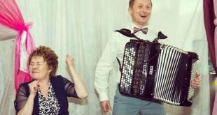 Конкурсы на свадьбе для мам и пап
