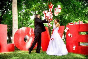 Объемные буквы и коробочки для свадебной фотосессии