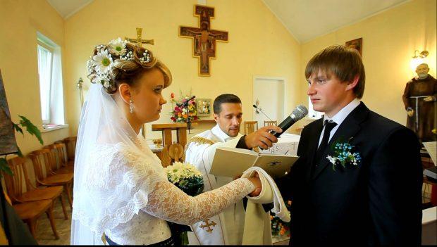 Клята жениха на венчании