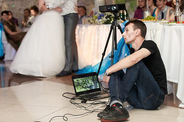 Видеопризнание на свадебном банкете