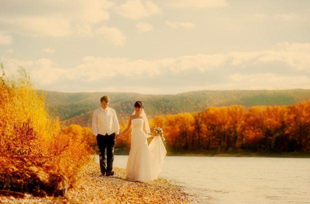 Фотопрогулка на свадьбе в октябре