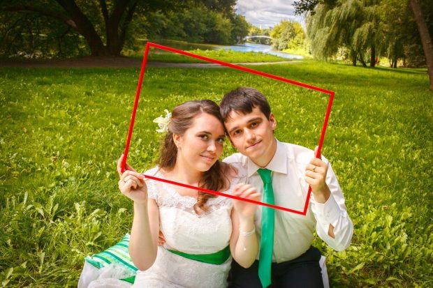Наряды молодожен на зеленой свадьбе