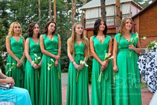 Подружки невесты на зеленой свадьбе