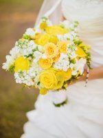 Цветы на желтой свадьбе