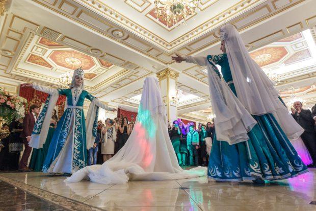 Традиция снятия платков