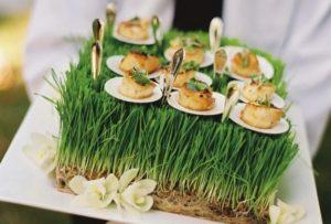 Оригинальная подача закусок на свадебном фуршете