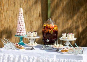 Сладкий стол на свадебном фуршете